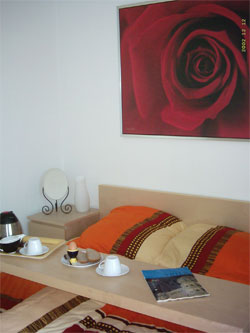 big bed-table - easy to slide over bed  - for romantic breakfast